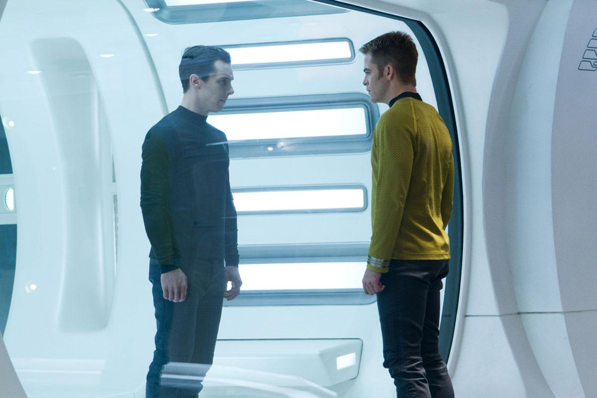 Star-Trek-2-Into-Darkness